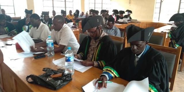 Waheshimiwa Madiwani katika kikao cha Baraza la Madiwani Biharamulo.