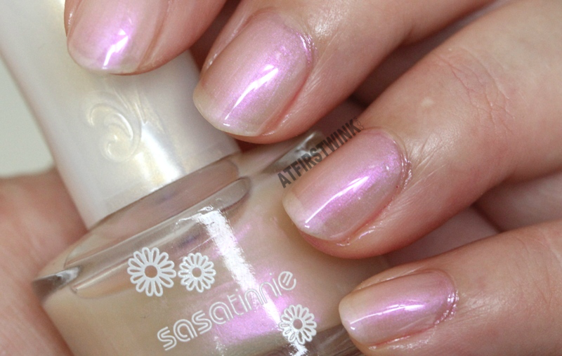 Sasatinnie nail polish P605 - Orchid pearl pink sheen close up