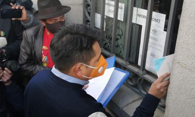 Gobierno devuelve al Legislativo las tres leyes que promulgó Eva Copa
