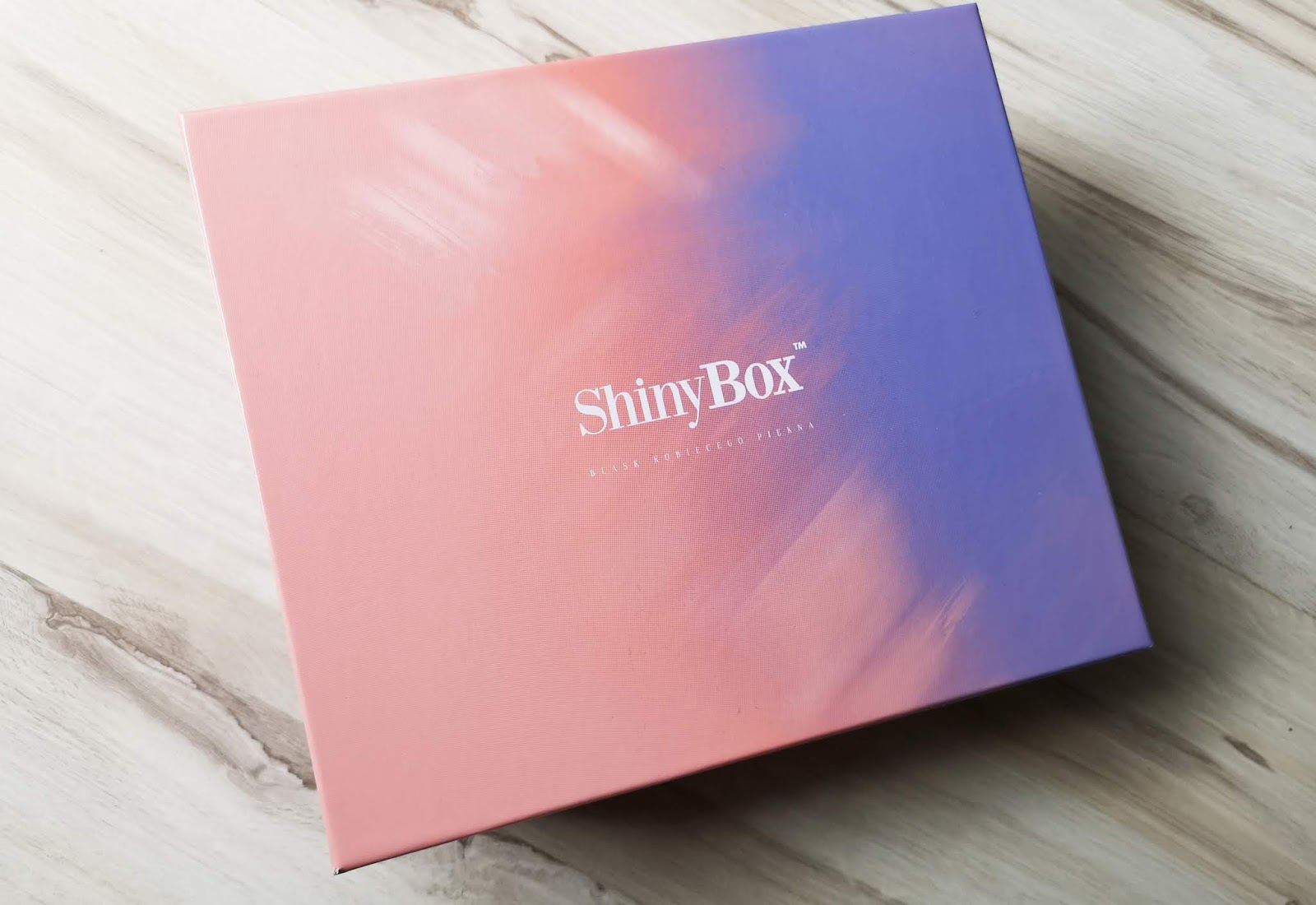 HIPPIENESS - SHINY BOX SIERPIEŃ 2018
