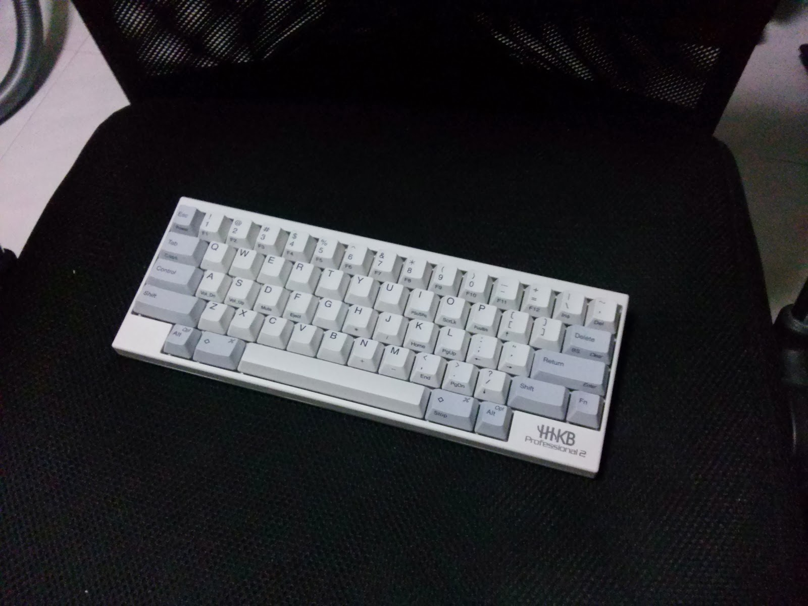 74733cffd49 Very light keyboard. Key feel is typical Topre. Better than the Realforce  86U. It's definitely more