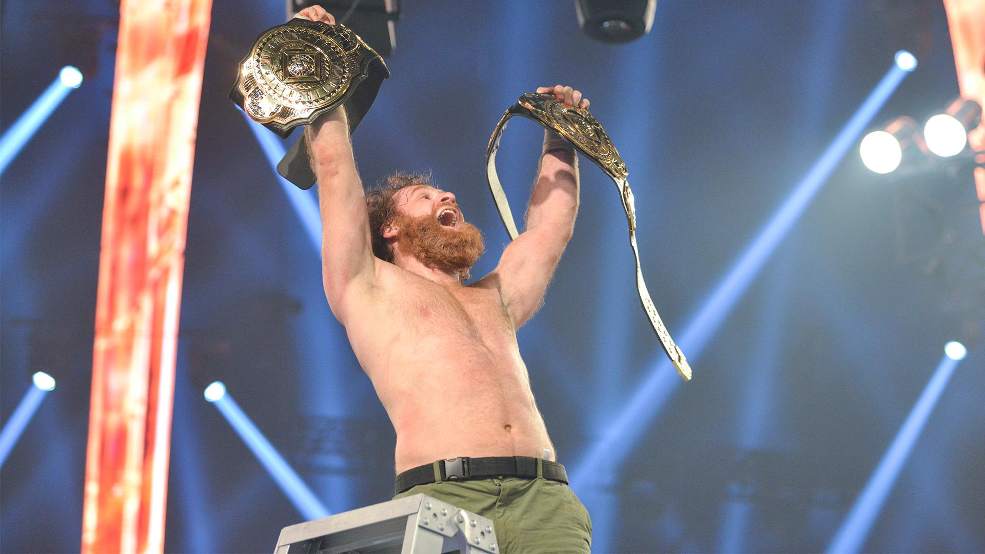 Sami Zayn conquista o Intercontinental Championship após utilizar algemas durante o WWE Clash of Champions