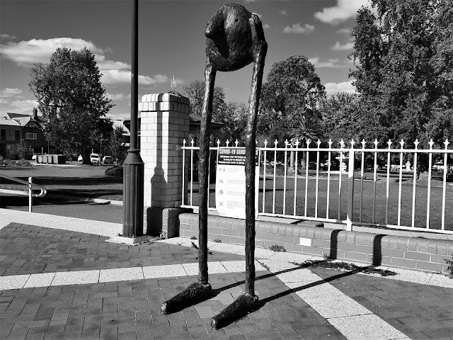 Goulburn Public Art   'Hold Your Head Up' by Luke Chiswell