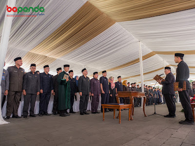 Pengambilan sumpah jabatan oleh Gubernur Jawa Barat. Foto : Bapenda.