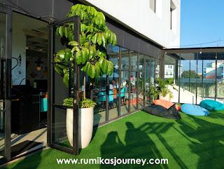 outdoor-resto-hotel-de-braga-by-artotel-bandung