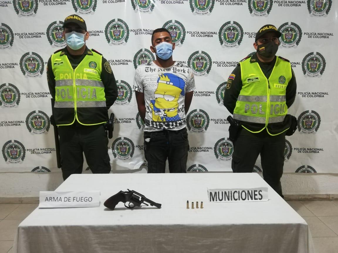 https://www.notasrosas.com/En Valledupar: Policía lo captura cuando hurtaba, comunidad lo golpea y destruye su motocicleta