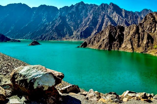 Romantic Places to Visit in Dubai hatta mountain