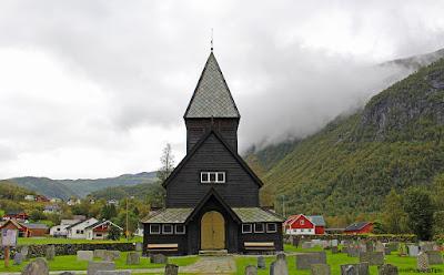 Eglise en bois debout de Roldal, sud de la Norvège