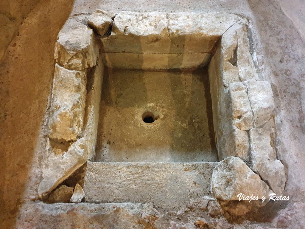 Baptisterio de la Iglesia prerrománica de San Juan de Santianes
