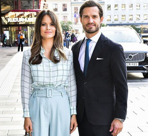 Princess Sofia wore a new check shirt and wide trousers from 2NDDAY. Princess Sofia wore 2ND gwen check shirt and megan wide pants