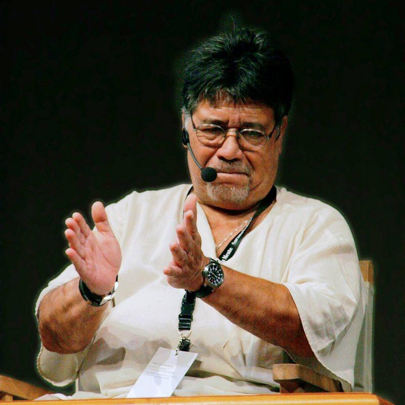 Escritor chileno es el primer contagiado de coronavirus en Asturias