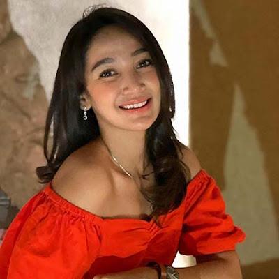 Ega Olivia pemeran Sasi di Tukang Ojek Pengkolan (TOP)