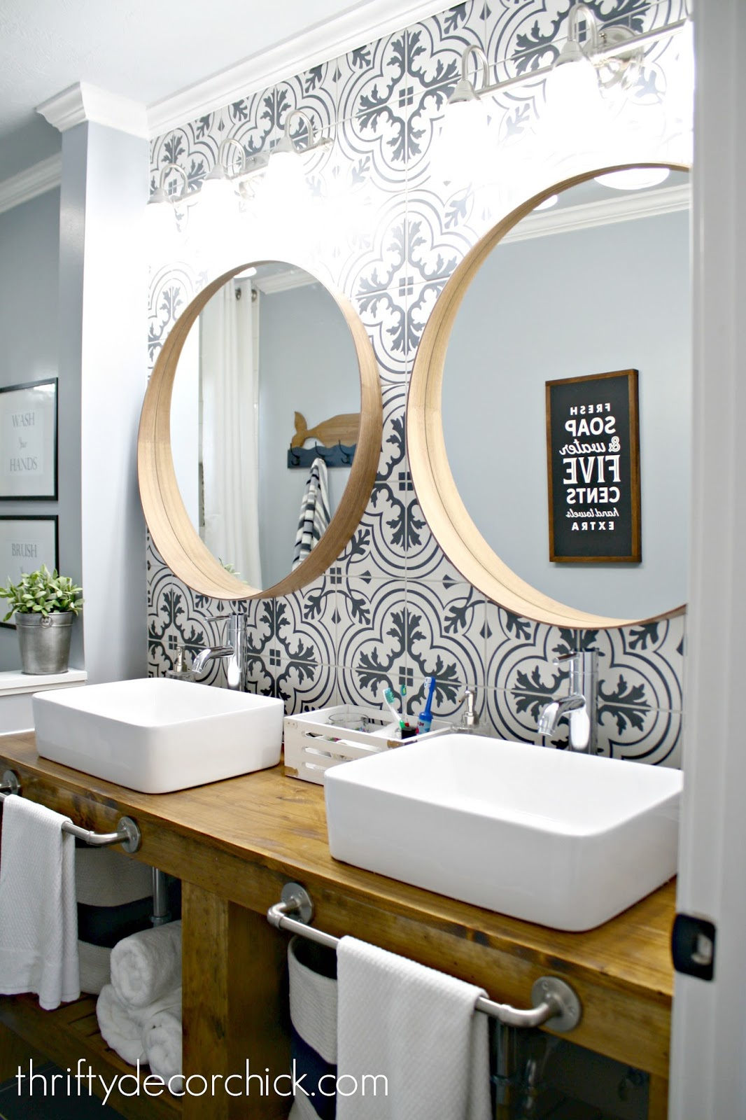 Hits And Misses The Bathroom Renovations From Thrifty Decor Chick - Thrifty bathroom remodel