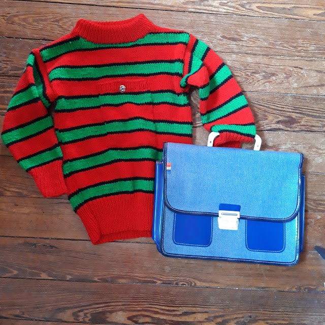 pull rayé et cartable années 70   70s knit sweater and school bag