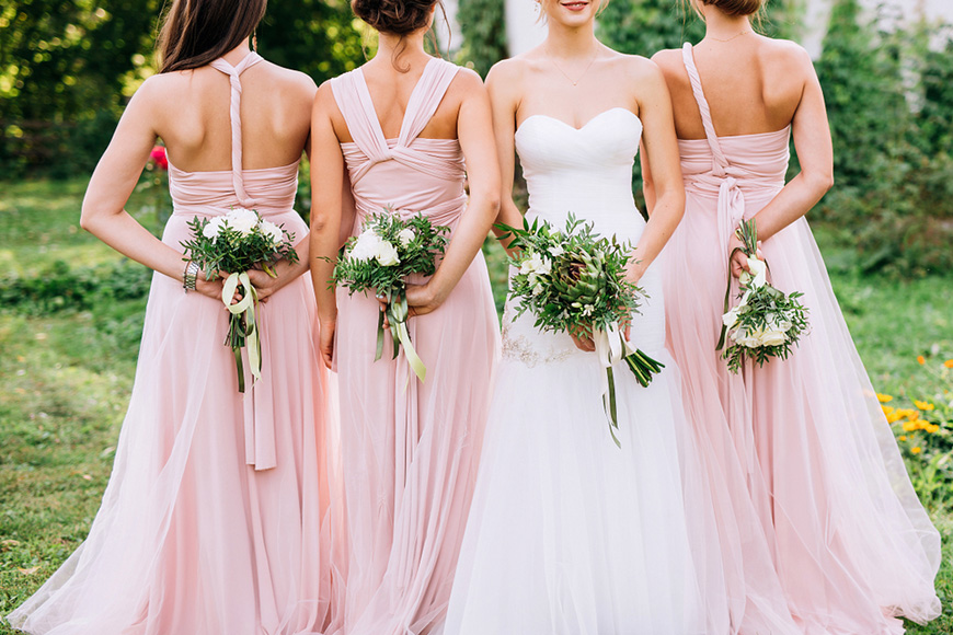 https://blog.ever-pretty.com/trips-trends/5-style-tips-to-make-your-bridesmaids-stand-out/