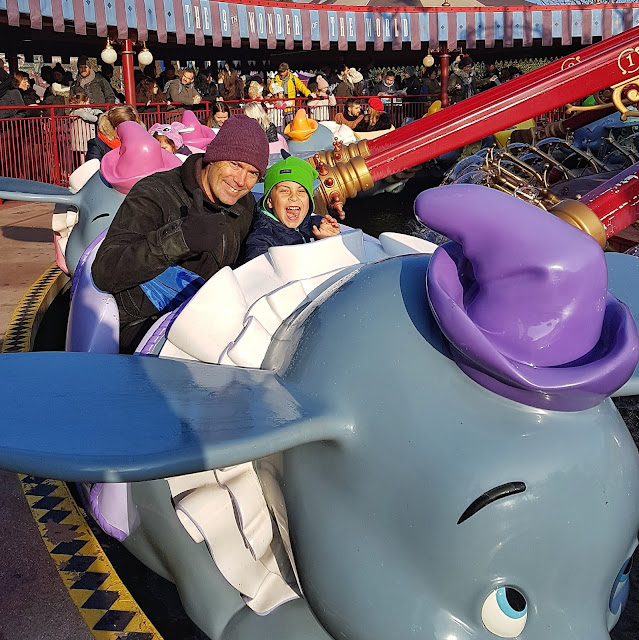 disneyland dumbo carrusel