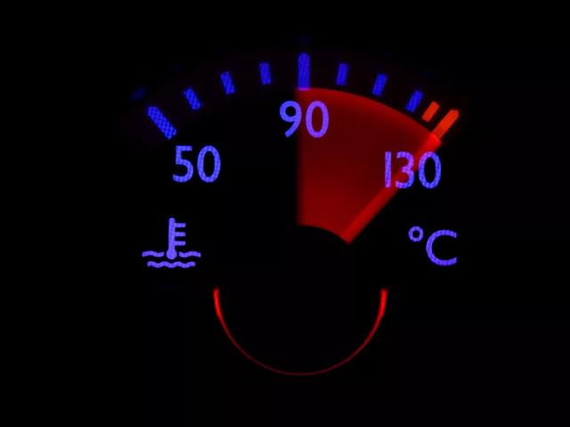 Pourquoi ma clim de voiture ne refroidit pas