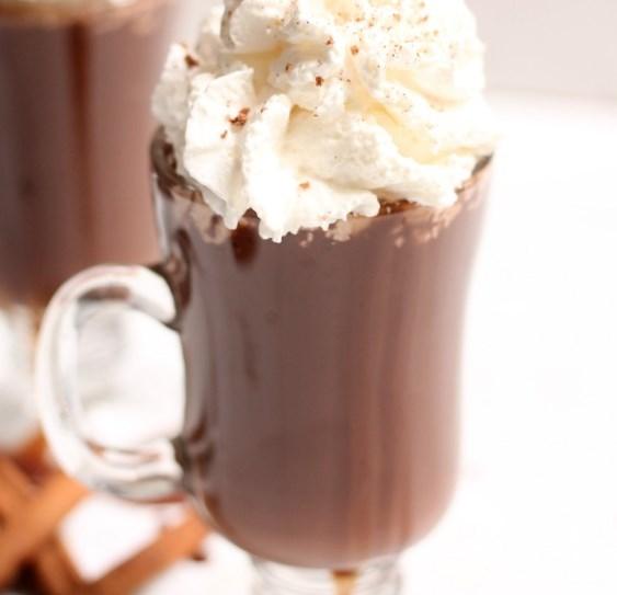 DISNEYLAND'S HOT CHOCOLATE #drinks #milk