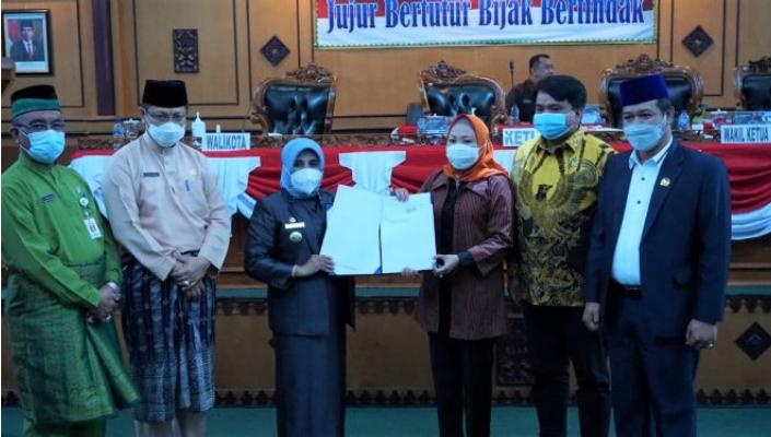 Ini Dua Nama Calon Wakil Walikota  Yang Diserahkan Rahma Kepada DPRD Kota Tanjungpinang
