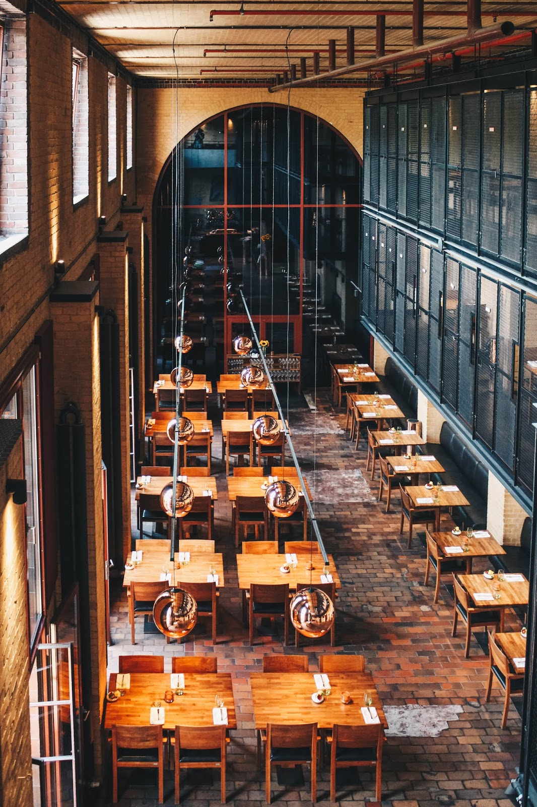 Das Restaurant Liegt Super Zentral Im Stadtteil Kreuzberg Und Genießt Einen  Sehr Guten Ruf. Gourmetliebhaber Und Hungrige Die Gerne Neue, Innovative  Menüs ...
