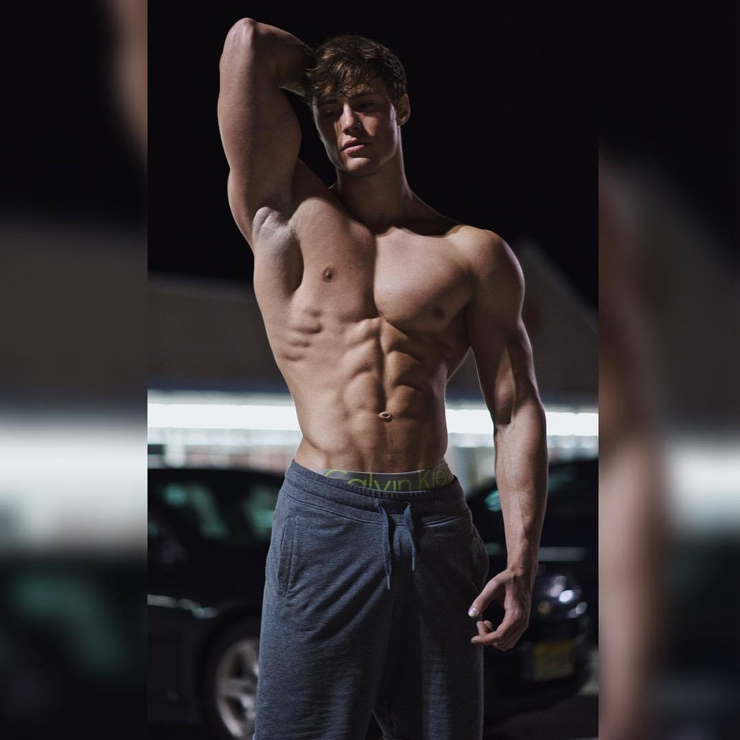 fit-young-bodybuilders-david-laid-shirtless