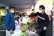 Jelang Hari Raya Galungan dan Kuningan, Bupati Suwirta Belanja di  Pasar Gotong Royong