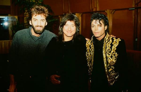 """Kenny Loggins e Steve Perry com Michael Jackson, na gravação de """"We Are the World"""""""