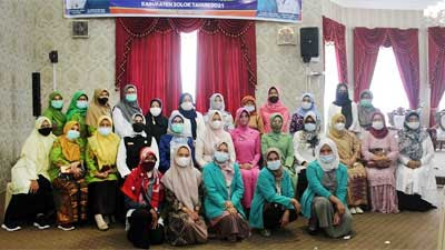 Ny. Nia Buka Pra-Musda GOW Kabupaten Solok 2021