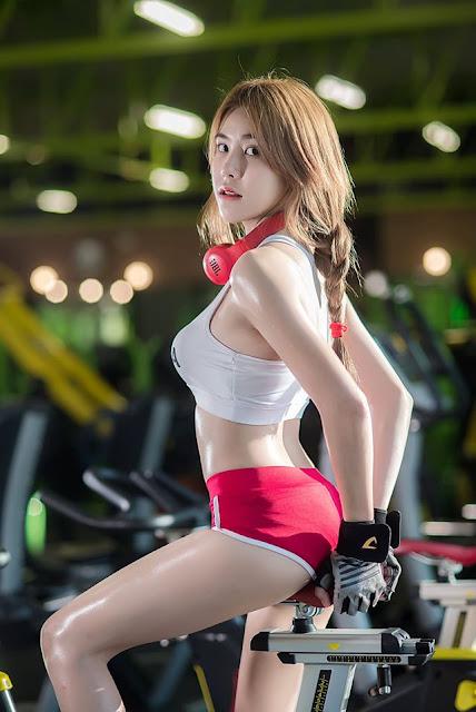 8 Hot Foto Keawarin Nawan Sexy Model Thailand Cantik