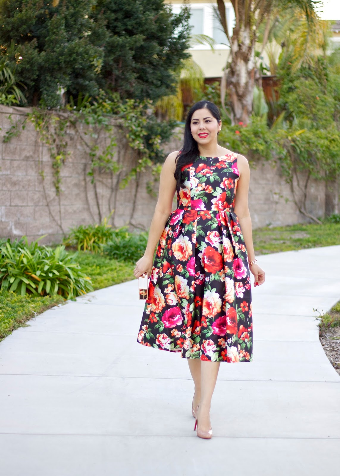 Floral midi dress, roses print midi dress, midi dress and louboutins, brunette blogger