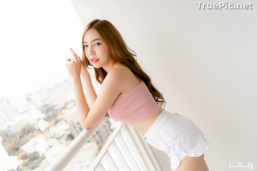 Image Thailand Model - Champ Phawida - Pink Crop Top and White Short Pants - TruePic.net - Picture-14