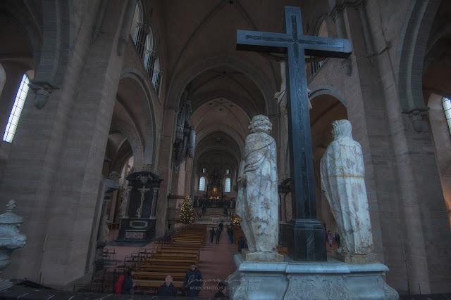Внутреннее убранство Трирского собора Святого Петра