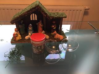 Maériel pour réaliser des Boules de Noël DIY