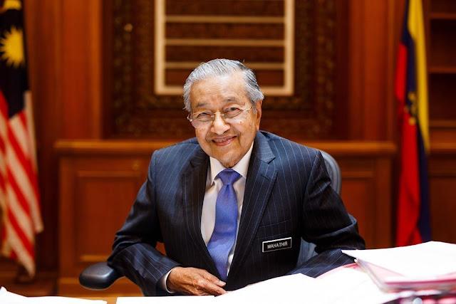 Mahathir Mohamad Diisolasi Usai Lakukan Kontak Dekat dengan Anggota Parlemen yang Positif Virus Corona