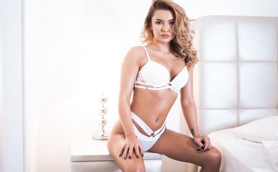 ToriRussell Model GlamourCams