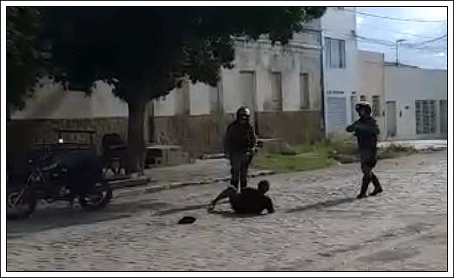 Vídeo: Imagens mostra Policias agredindo mulher no Pernambuco