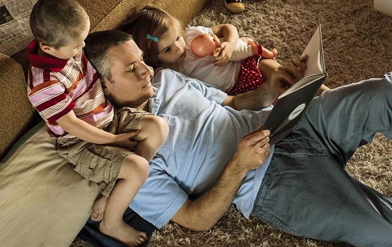 Çizgi film mi izletmeli, hikaye kitabı mı okumalı?
