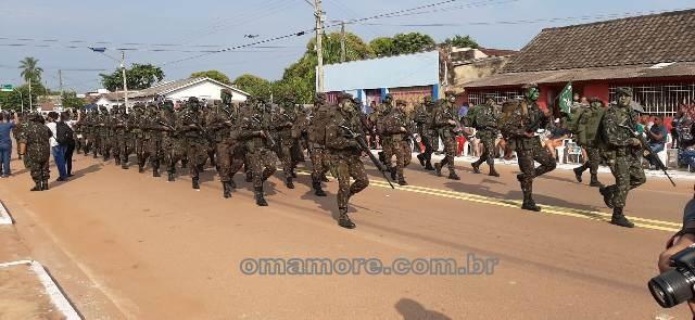 Guajará-Mirim celebra 7 de setembro com desfile no Centro. Confira imagens