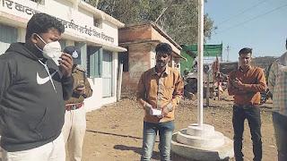 पेयजल की समस्या को लेकर ग्रामीणों ने नायाब तहसीलदार को सोपा ज्ञापन