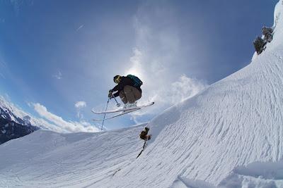 Technik beim Springen Skifahren