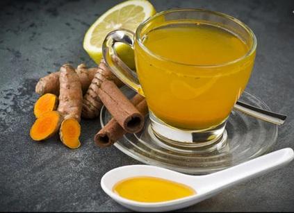 Turmeric and Cinnamon Detox Water