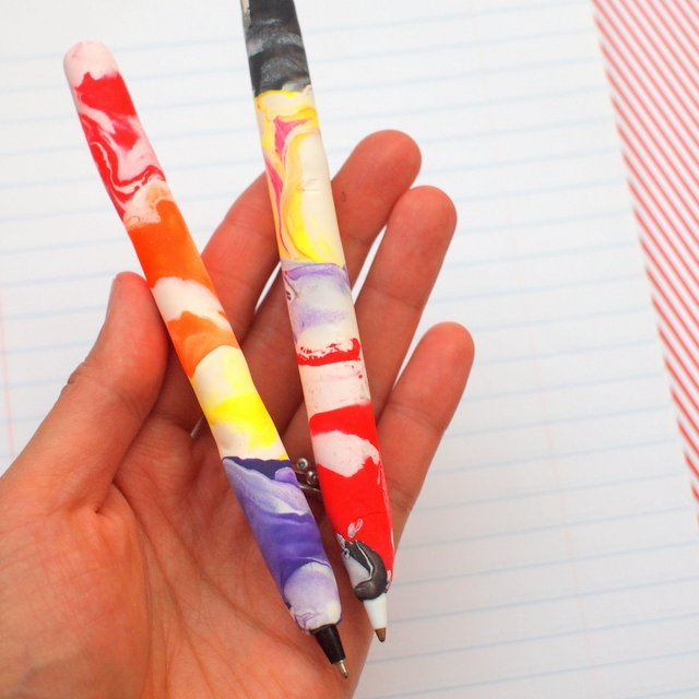 how to make diy marbled clay covered pens- great art project and gift