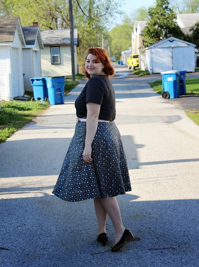 plus size vintage skirt and tee shirt from wearing history clothing