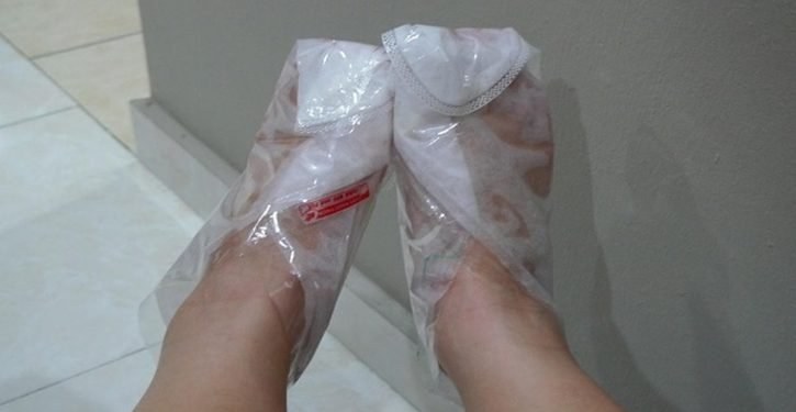 How To Have Smooth, Smooth Feet With Baking Soda