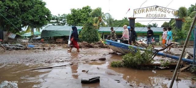 Agustinus Payong Boli Ungkap 58 Jenazah Banjir Bandang dan Longsor di Flores Timur Ditemukan.lelemuku.com.jpg