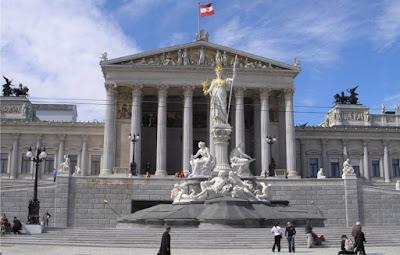 النمسا,الشرطة,تمنع,متظاهرين,من,اقتحام,البرلمان