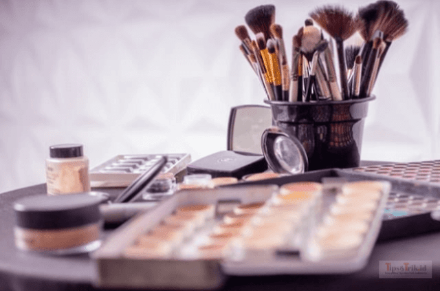 5 Basic Makeup Tricks You Need to Know