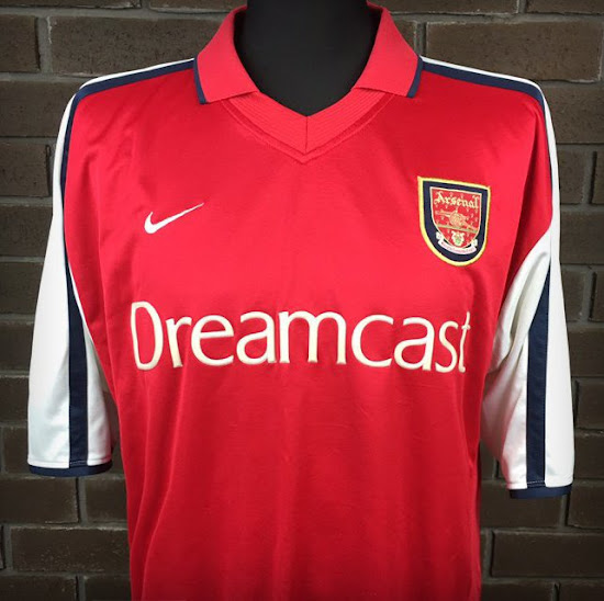 check out 5cd5e 50c13 Closer Look: Arsenal 2000-01 Home Shirt by Nike - Footy ...