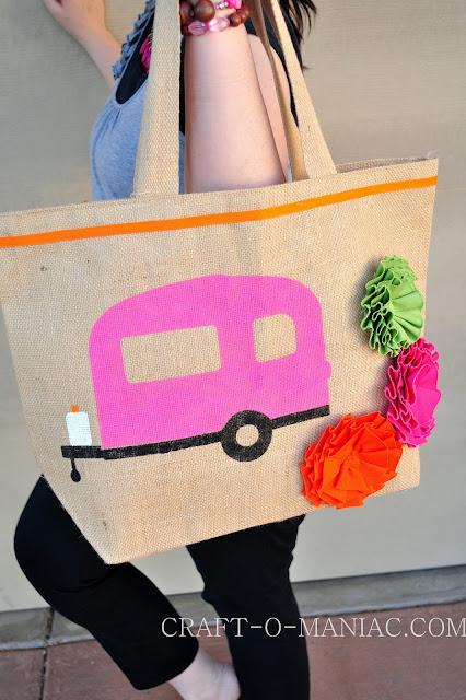 DIY stenciled camper tote www.craft-o-maniac.com