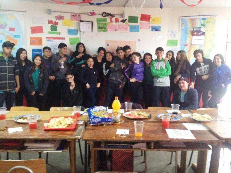 Buscan diseñadores, ingenieros comerciales y periodistas para hacer clases en liceos